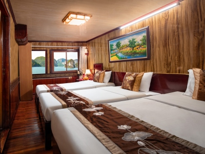 Cozy-bay-Cruise-Deluxe-Triple-Cabin-with-sea-view